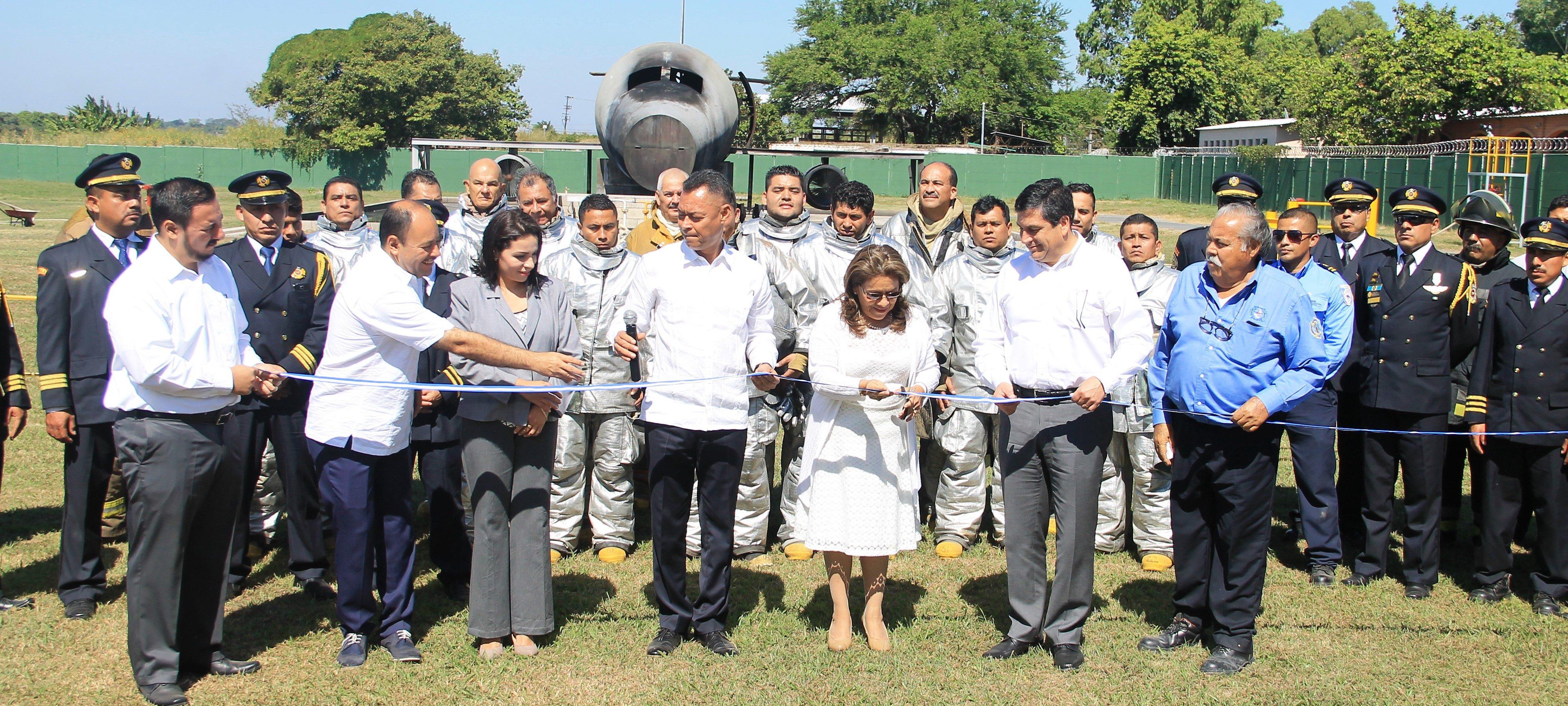 Gobierno de El Salvador a través de Autoridad de Aviación Civil inaugura Campo de Entrenamiento de Salvamento y Extinción de Incendios.