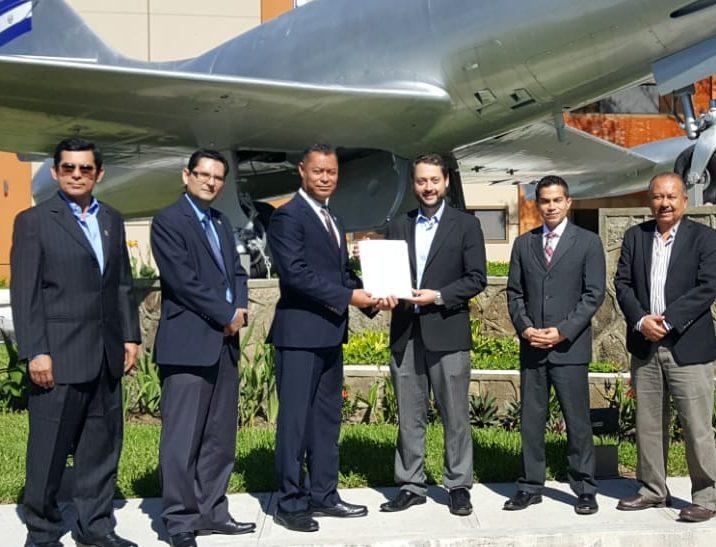 Autoridad de Aviación Civil entrega permiso de Operación aerolínea Colombiana Aero República
